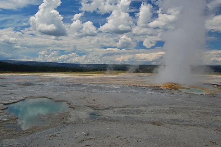711x474_Yellowstone