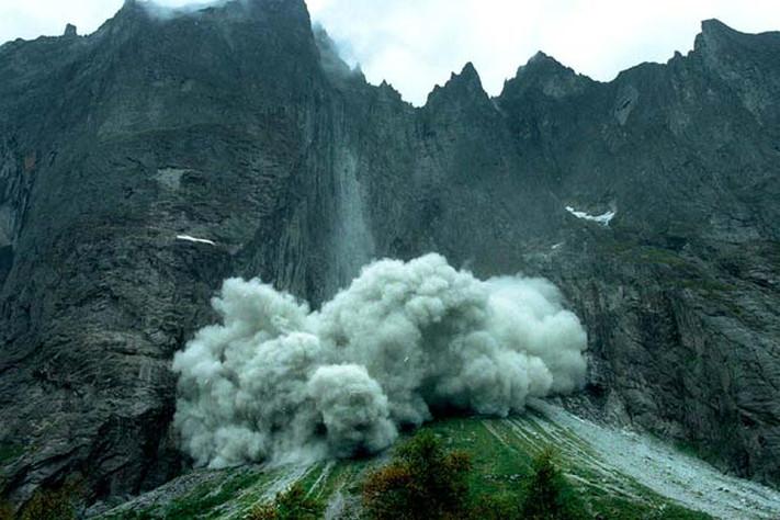 Trollveggen eksploderer
